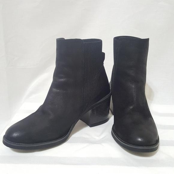 29da9ddda2 Aldo Shoes - ALDO Black Ankle Bootie block heel round toe 7-1 2